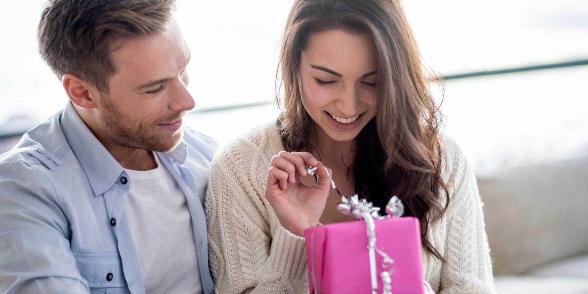 1 Year Anniversary Gifts 70 Wedding Anniversary Gift Ideas Theyll