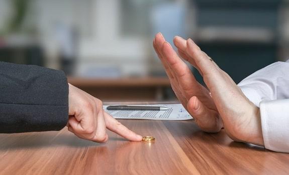 Wife Wants Divorce Husband Resisting
